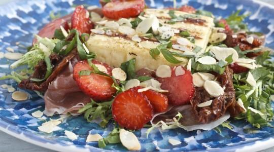 sałatka z grillowanym serem