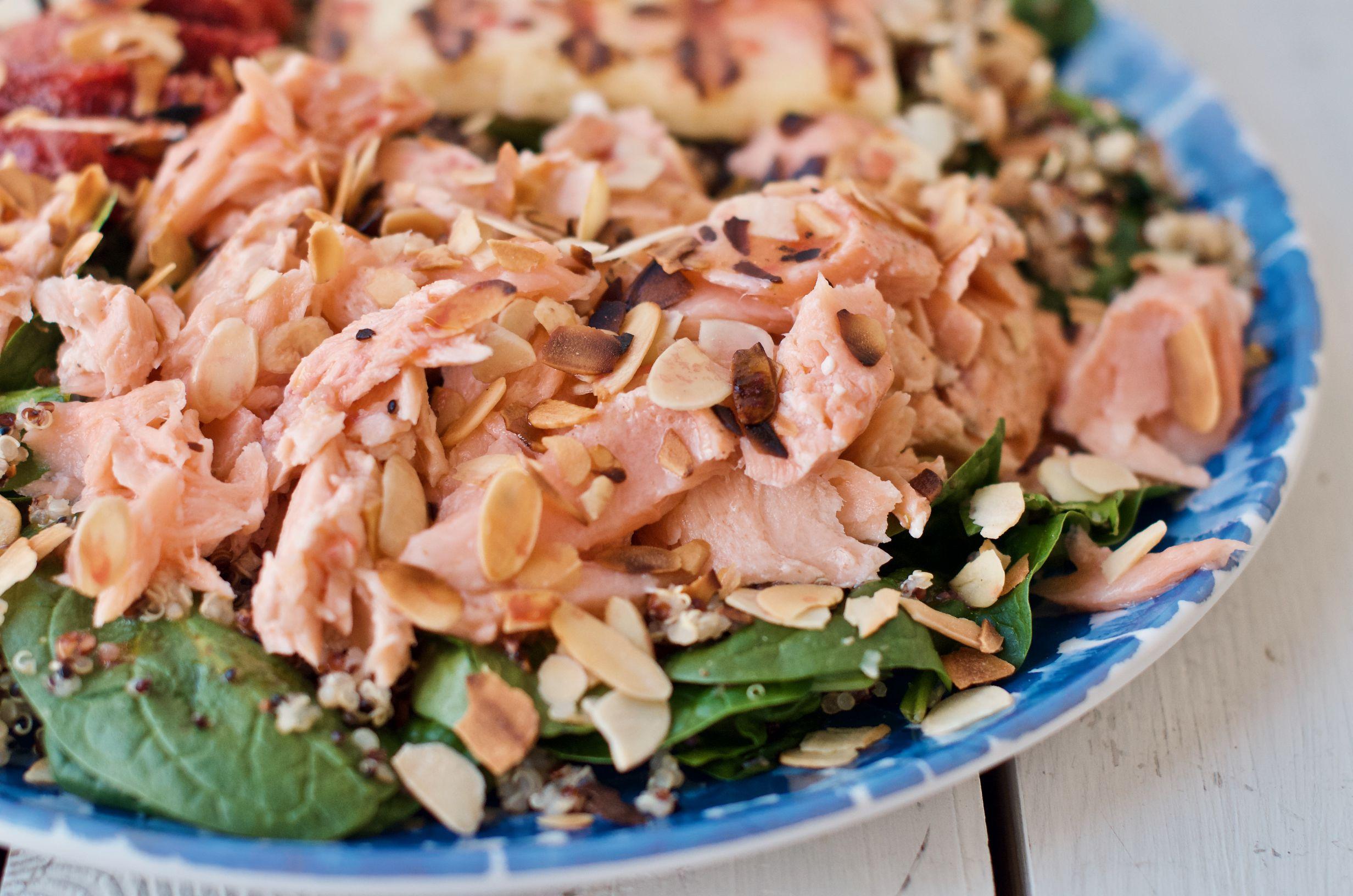 Komosa ryżowa z łososiem